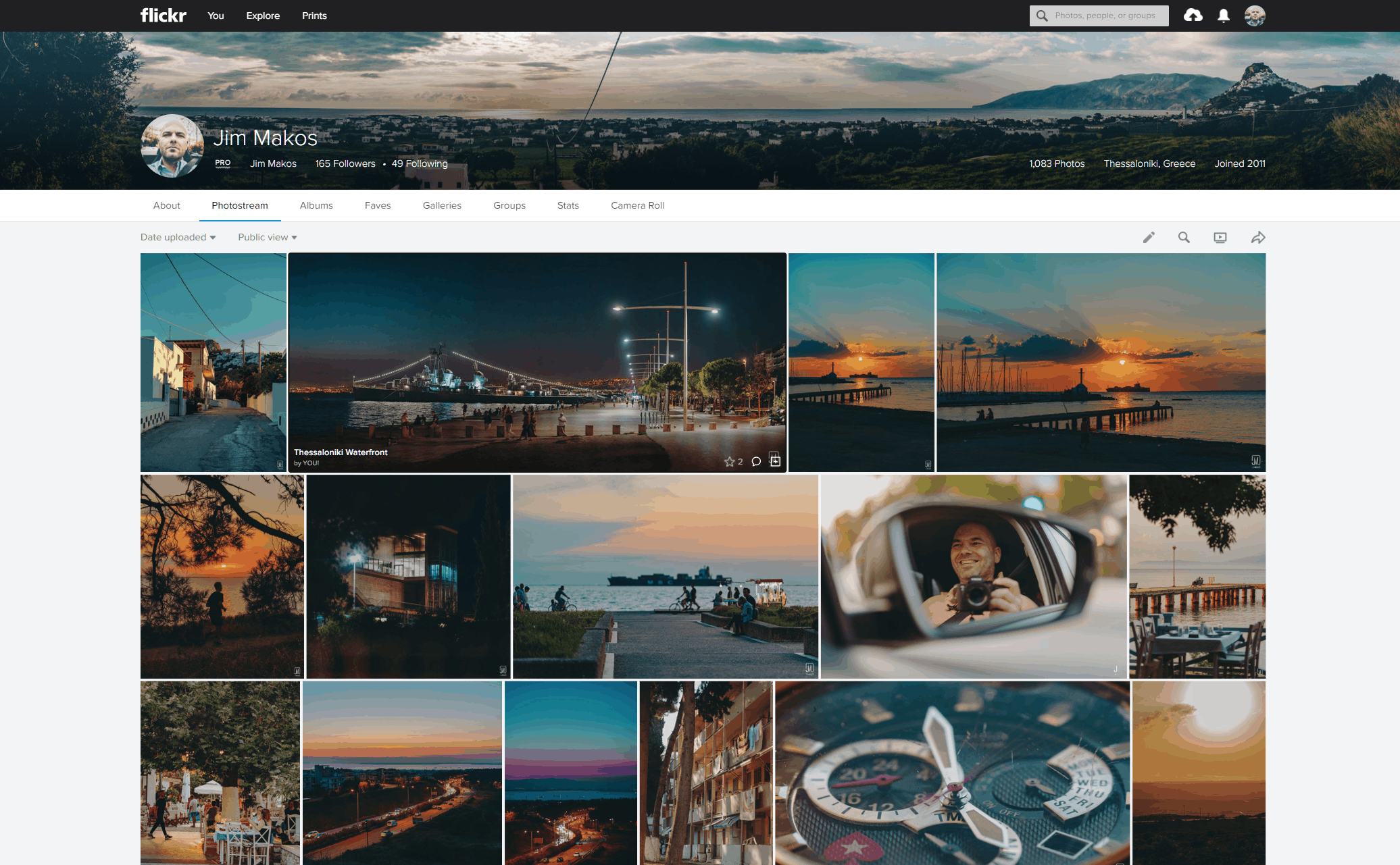 The Flickr Photostream resizes to accommodate photos of different aspect ratios